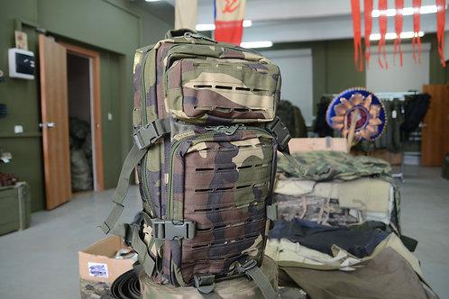Штурмовой рюкзак, 25-27 литров в камуфляже Woodland