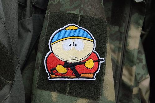 Патч с Картман с винтовкой, отсылка к мультфильму Южный Парк