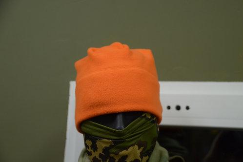 Оранжевая флисовая шапка