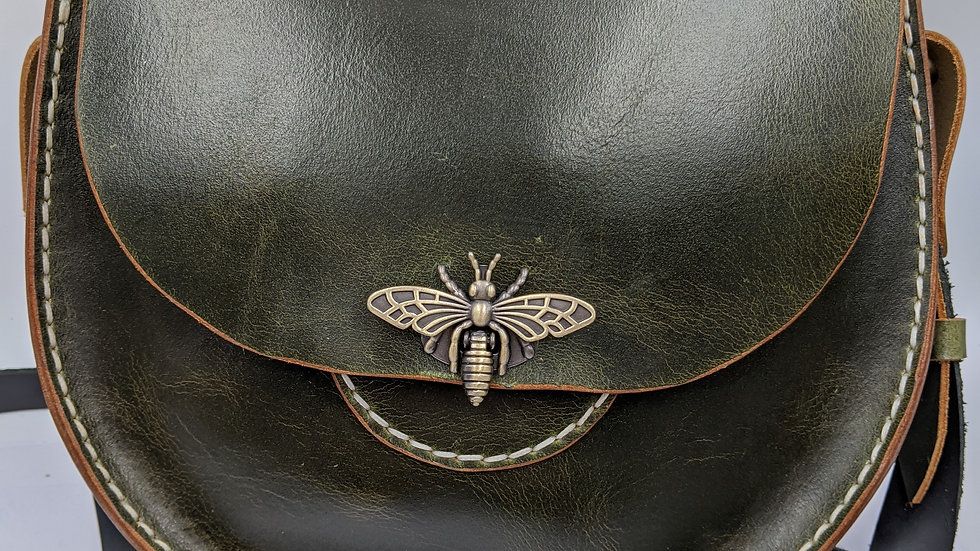 Tasman Leather-Demure Fern Green Round Purse