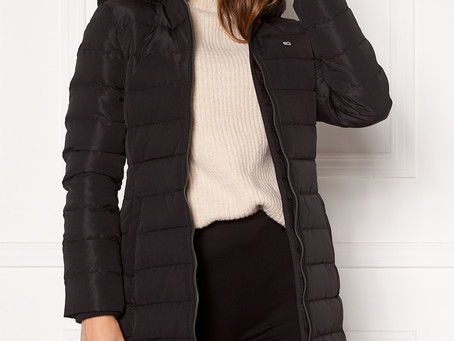 Tommy Jeans | Quilted Down Coat | € 249,90 👉