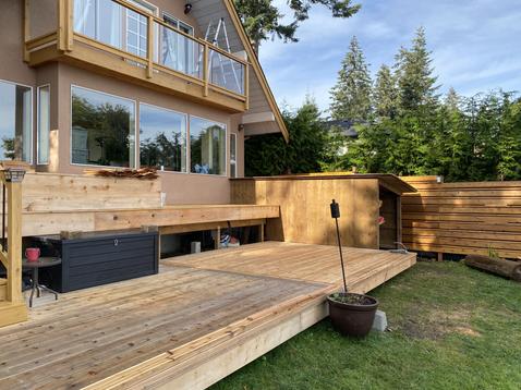 Cedar deck and Balcony