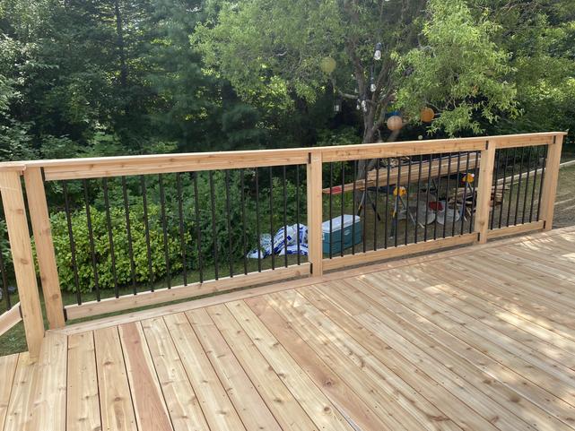 Cedar Deck + Railing (2)