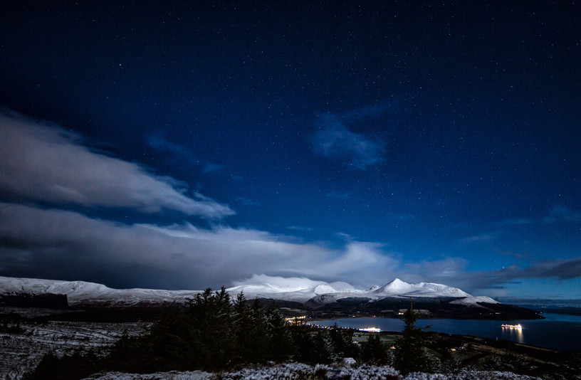 Moonlit mountains from Dunfion.jpg
