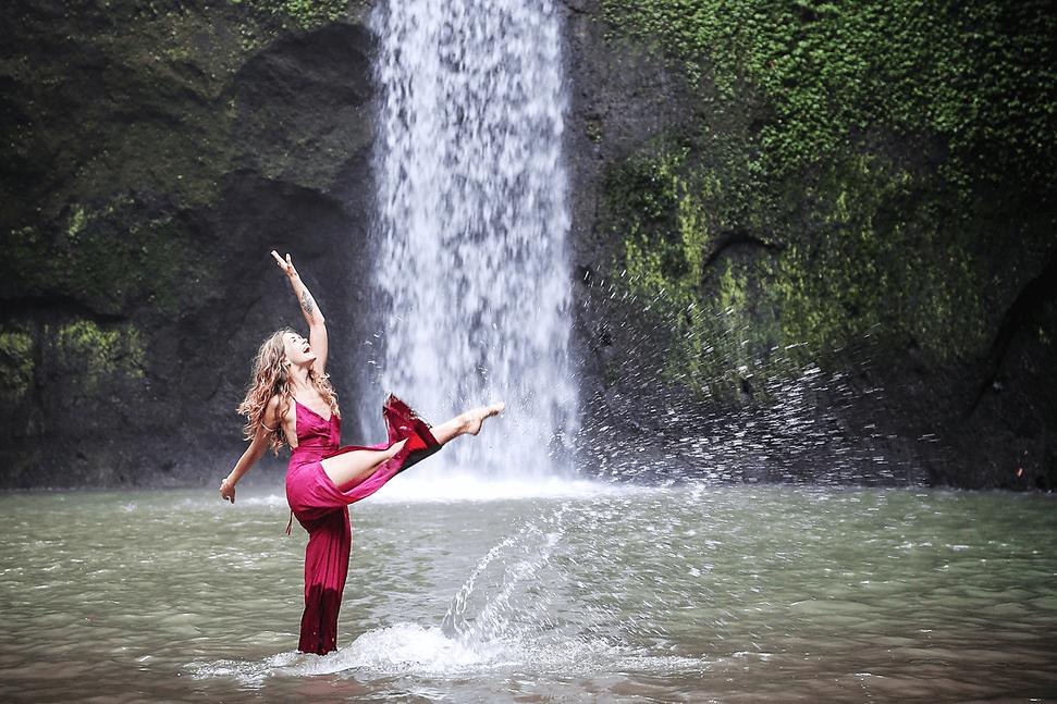 1200 x 800 waterfall.png