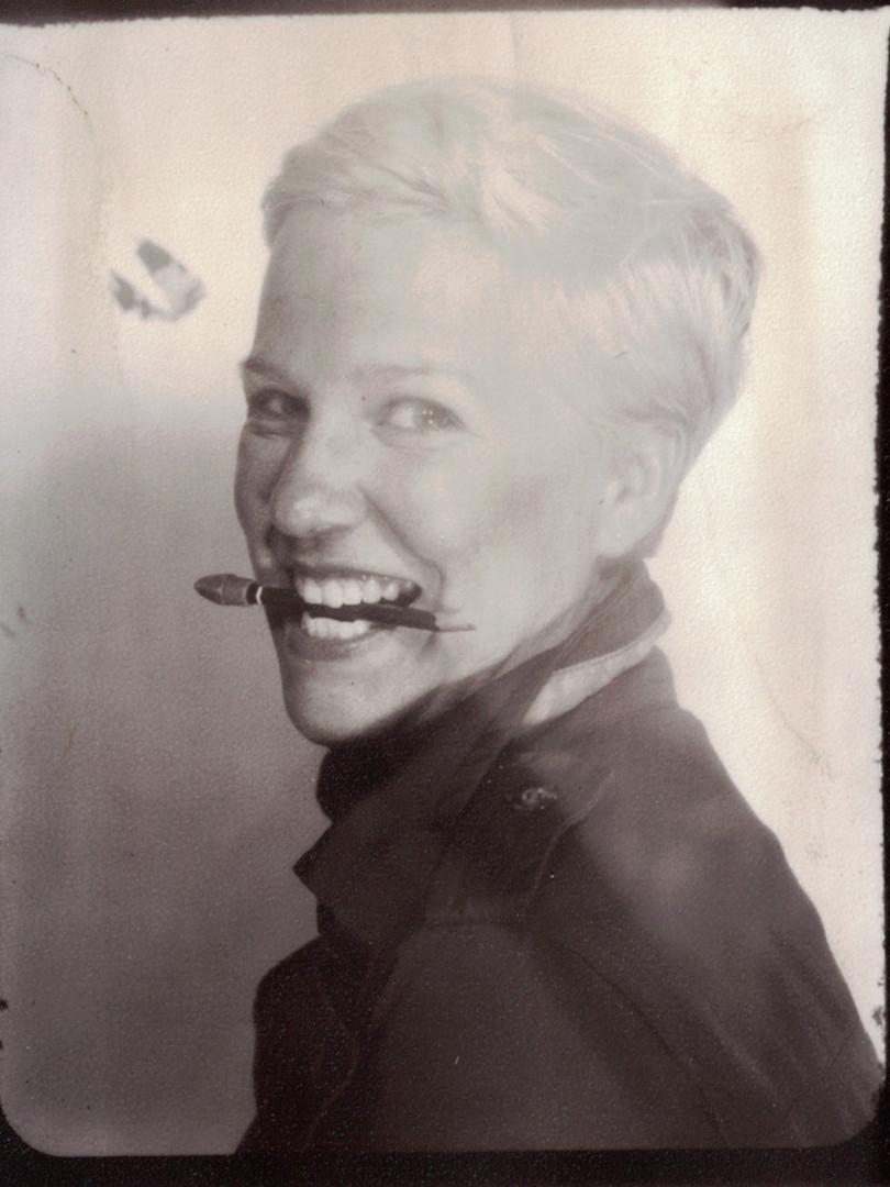Anne Hinrichsen, Klavier