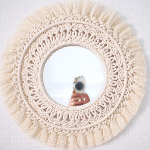 Small round mirror -lace-