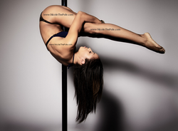 Nicole ThePole in pike pose