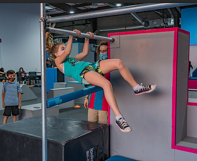 girls parkour session. t=kids and teens learning parkour at freedom in motion in Loma Linda CA, near Redlands Ca and RIverside CA. parkour and ninja gym
