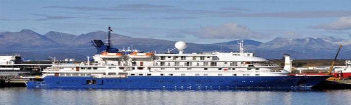 Expedition Cruise Ship, 120 Passengers