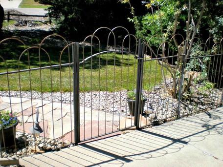 Double Loop Gate