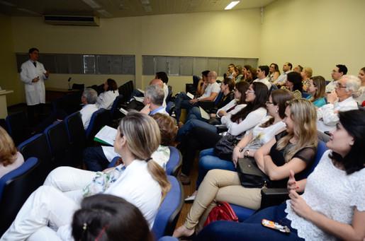 Aula de erudição durante o concurso de Livre-docência na FOB-USP (2015)