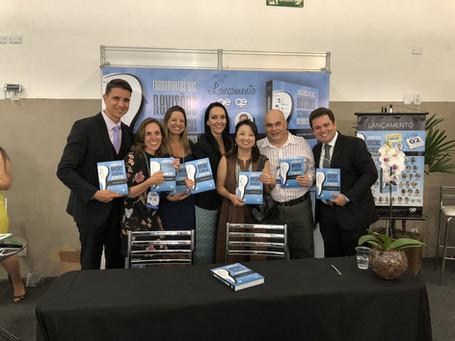 """Lançamento do livro """"Fundamentos das Revisões Sistemáticas em Odontologia"""" durante o SBPqO em Campinas-SP, 2017"""