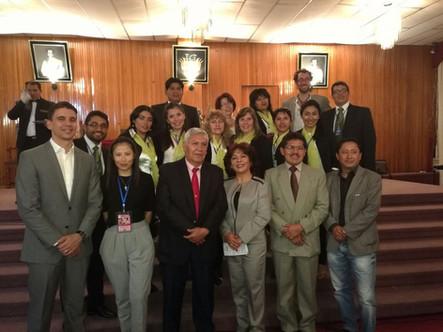 """Palestra """"Traumatismos Dentários"""" para o encontro da Sociedade Boliviana de Odontopediatria em Sucre- Bolívia em 2014"""