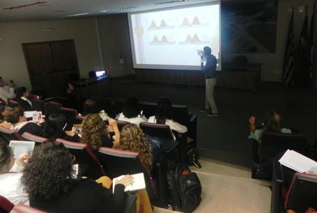 """Palestra """"Cálculo Amostral"""" na Faculdade de Odontologia da USP (FOUSP) em 2017"""