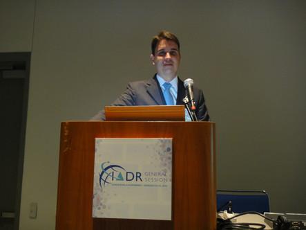 Apresentação de trabalho durante o IADR (International Association for Dental Research Meeting) em San Diego-EUA em 2011