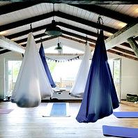 Aerial und Aerial Yin Yoga