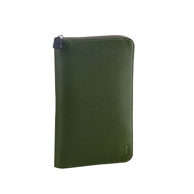 54TH ST. LARGE TRAVEL WALLET  Olive