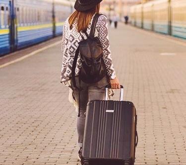 Empresa procura viajantes