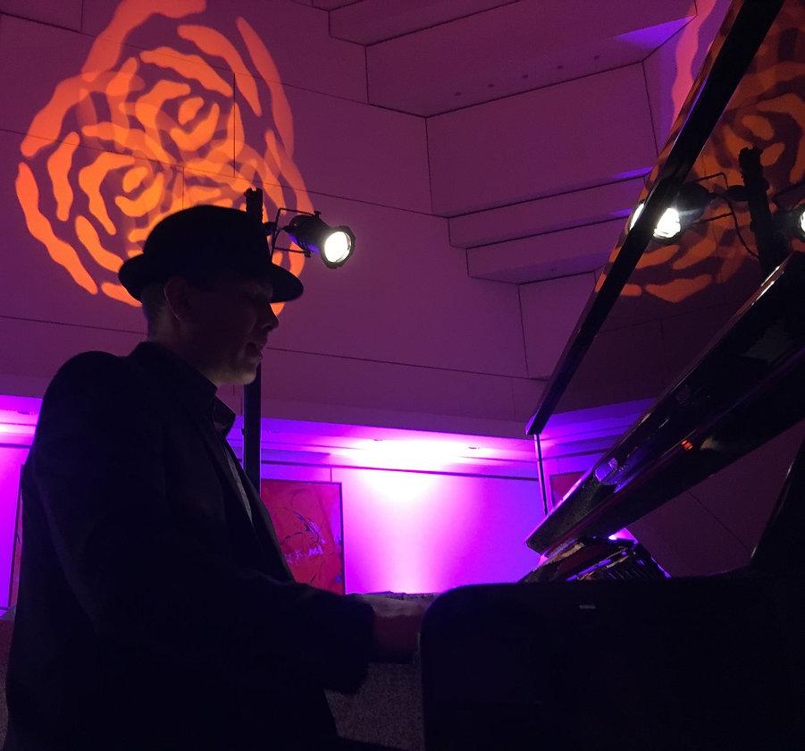 Guillaume Cherpitel piano droit lounge.j