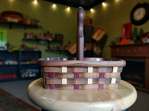 Condiment Basket (walnut)