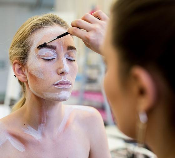 makeup_partner%20(34%20von%2058)_edited.jpg