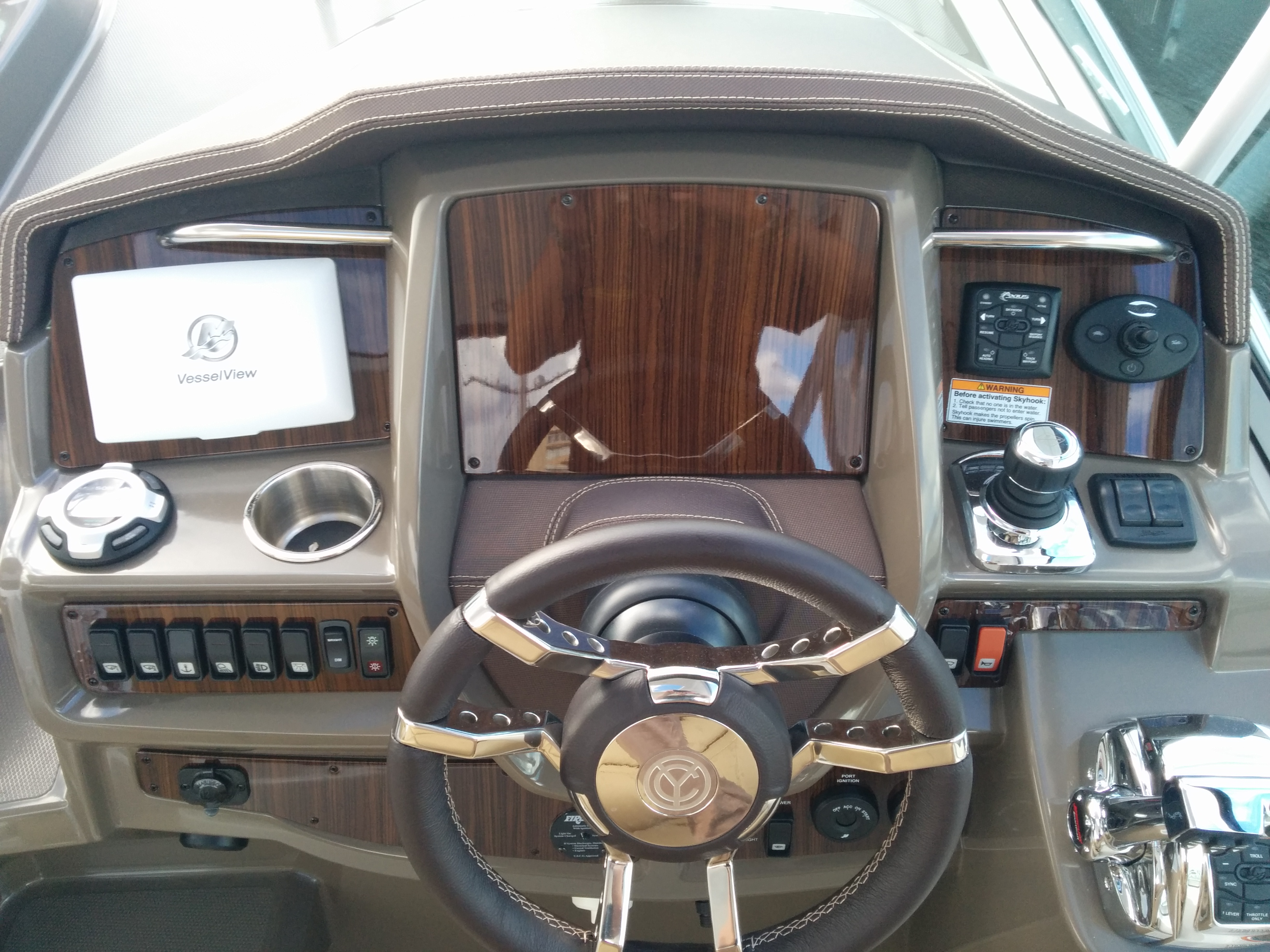 CRUISERS WOOD HELM PANEL