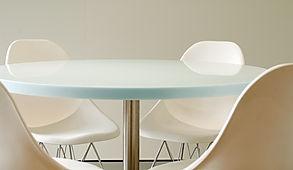Piani tavolo in corian