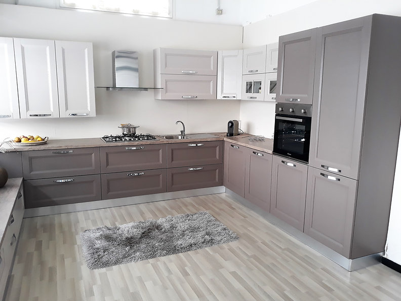 Regolazione ante e cassetti cucina - Sostituzione ante cucina ...