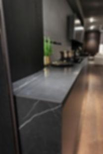 Top e fianco cucina in gres porcellanato