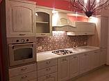 Cucina classica, cucina laccata, cucina con top in corian