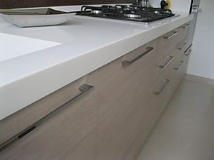 Top in solid surface, top in corian