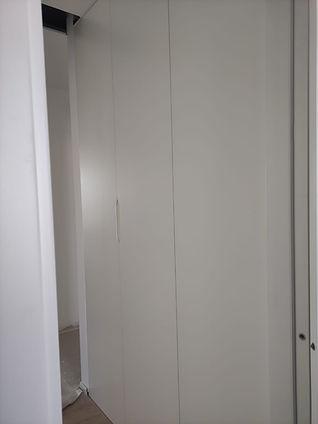 Armadio ingresso su misura laccato