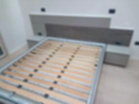 Camera da letto con boiserie su misura