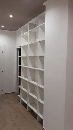 Libreria su misura bianca