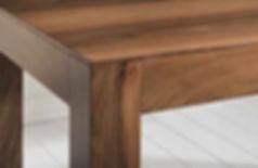 Tavolo in multistrato moderno