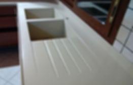 Vasca per cucina con scolo in corian, vasca in corian su misura