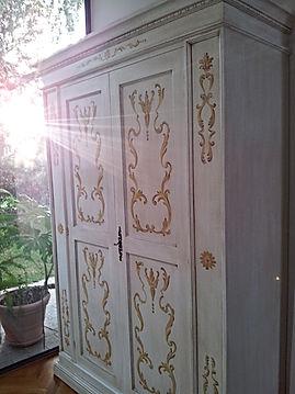 armadio decorato, armadio classico, armadio bianco avorio invecchiato, armadio 2 ante decorato e invecchiato