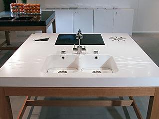 tavolo isola in corian con vasche in corian, isola in corian