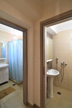livathi 3 bath
