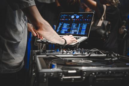 9.  DJ Set Up.jpg