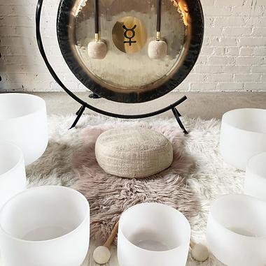 1612053930_soundbath-mental-healing-healer-within-spiritual-meditation-meditate-bowls-gong