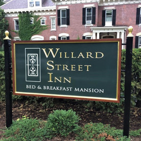 Willard Street Inn Sign in Burlington VT