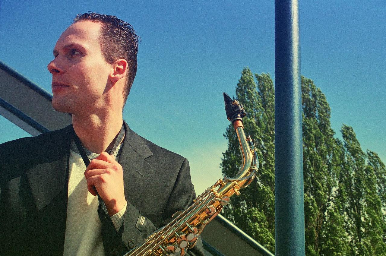 Chris Reinhardt - Official