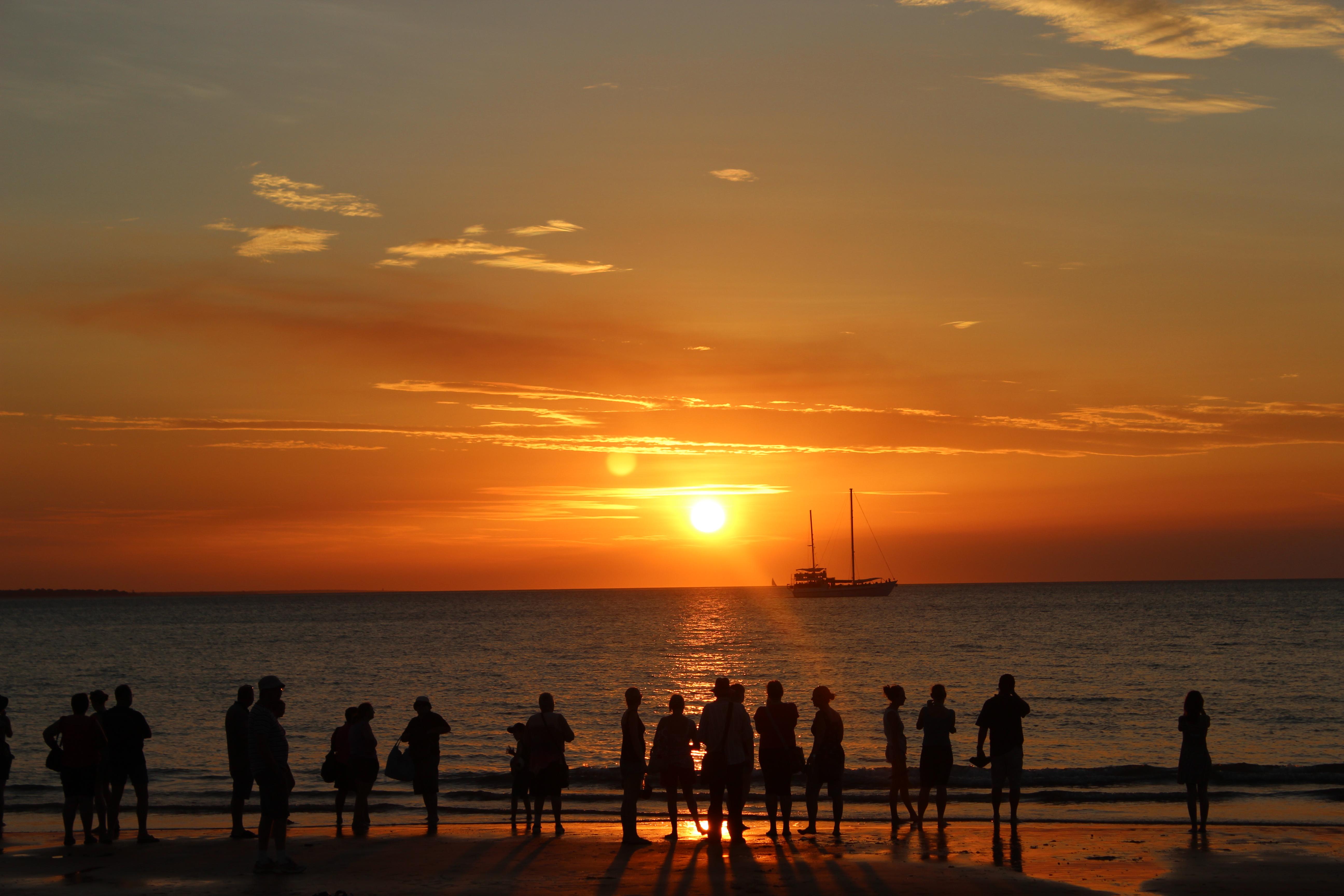 120243 - Sunset_at _Mindil_Beach_Darwin_