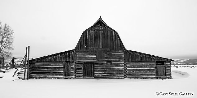 Teton Barn BW