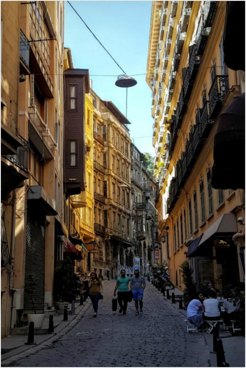 Typical narrow streets - Istanbul - Turkey