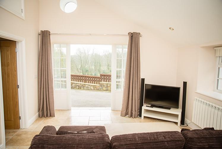 The-Lodge-living-room.jpg