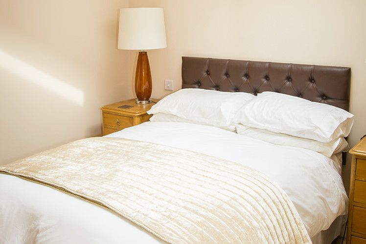 The-Lodge-bedroom-image-3.jpg