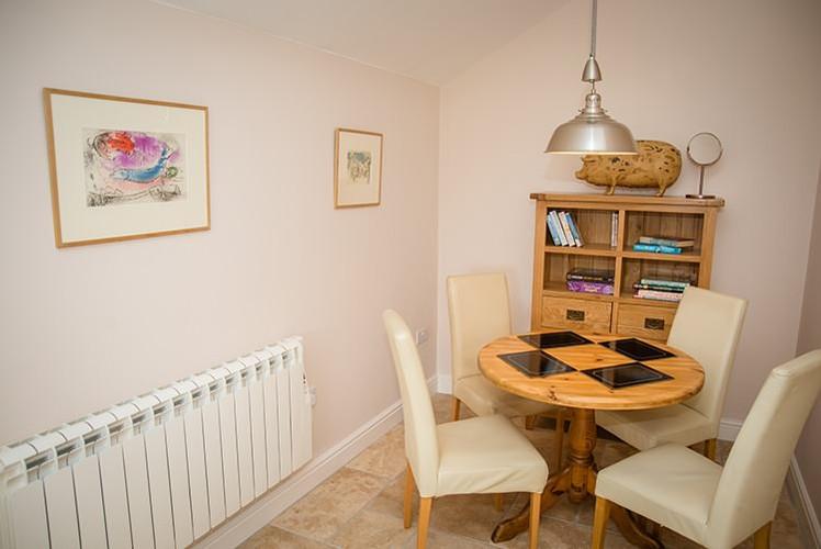 The-Lodge-dining-room.jpg